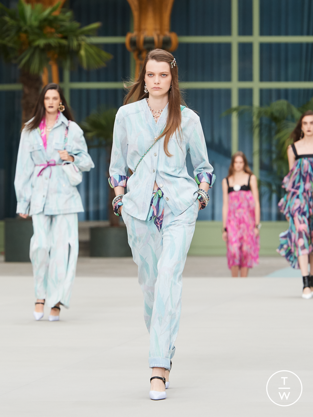 Fashion Week Paris Resort 2020 look 52 from the Chanel collection womenswear