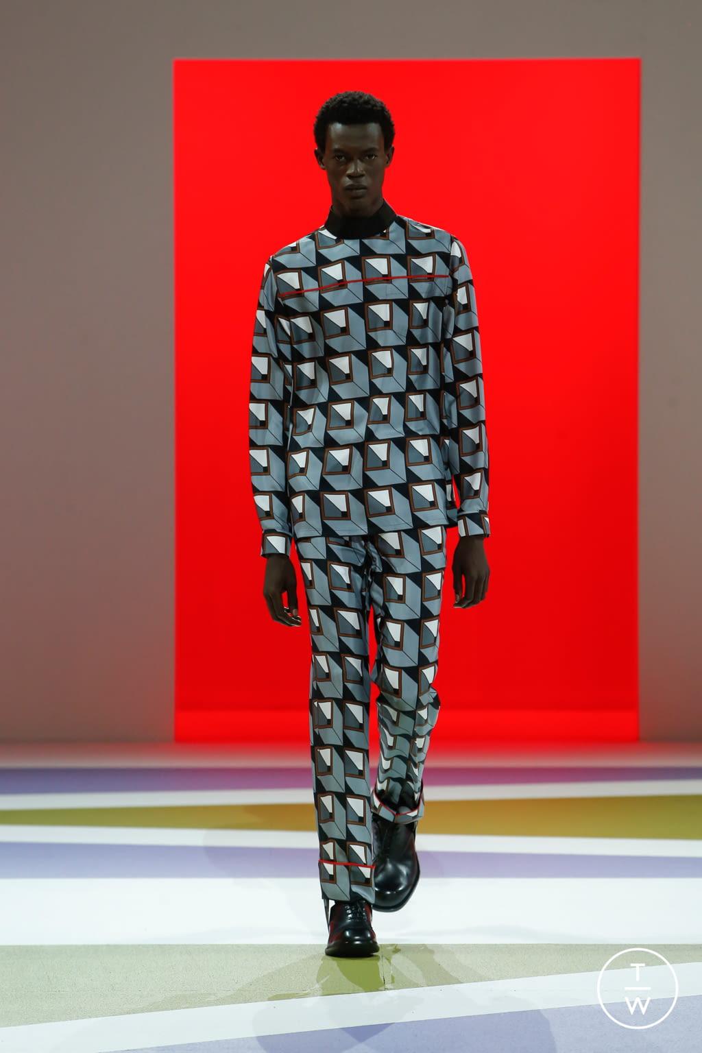 Fashion Week Milan Fall/Winter 2020 look 52 from the Prada collection menswear