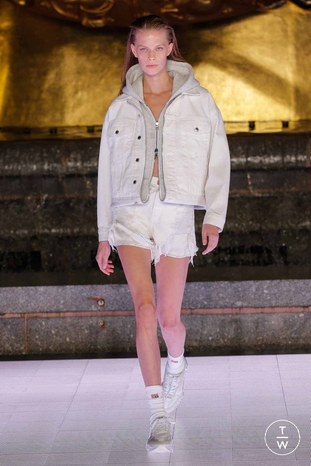 Fashion Week New York Spring/Summer 2020 look 53 from the Alexander Wang collection womenswear