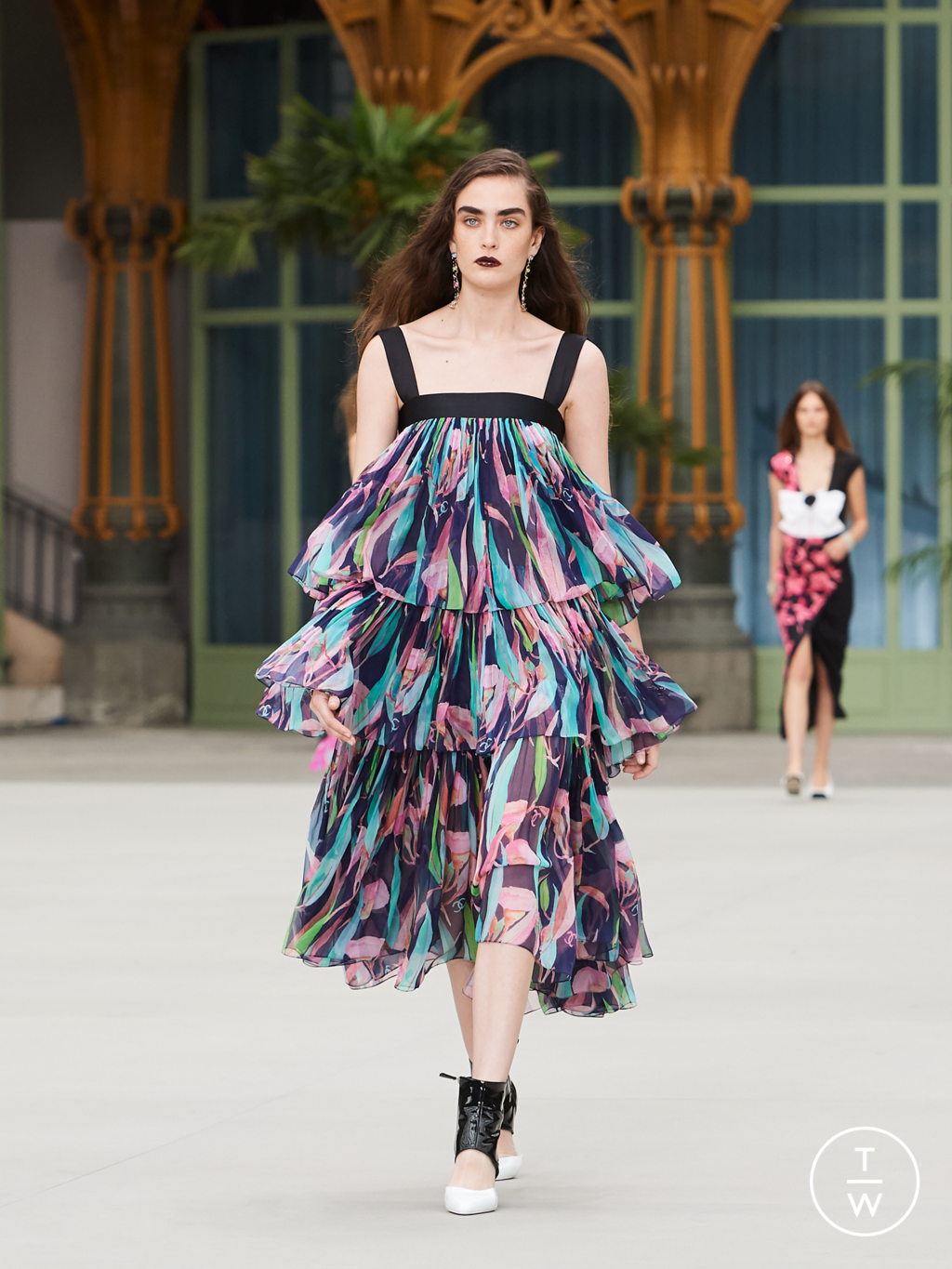 Fashion Week Paris Resort 2020 look 54 from the Chanel collection womenswear