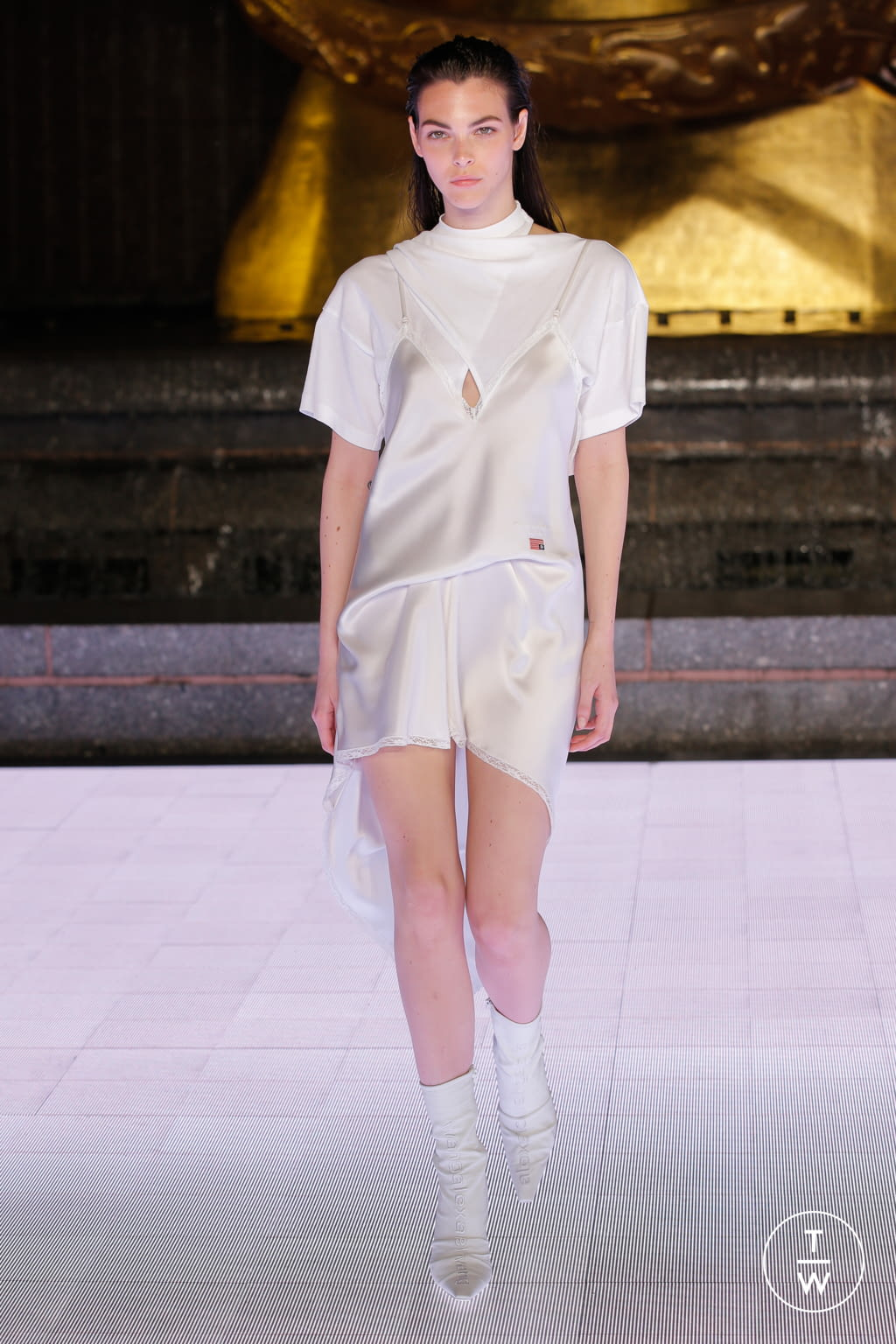 Fashion Week New York Spring/Summer 2020 look 55 from the Alexander Wang collection womenswear