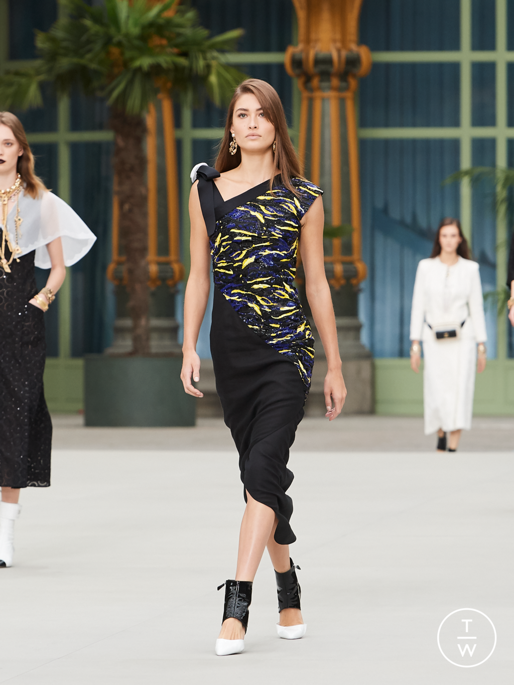 Fashion Week Paris Resort 2020 look 58 from the Chanel collection womenswear