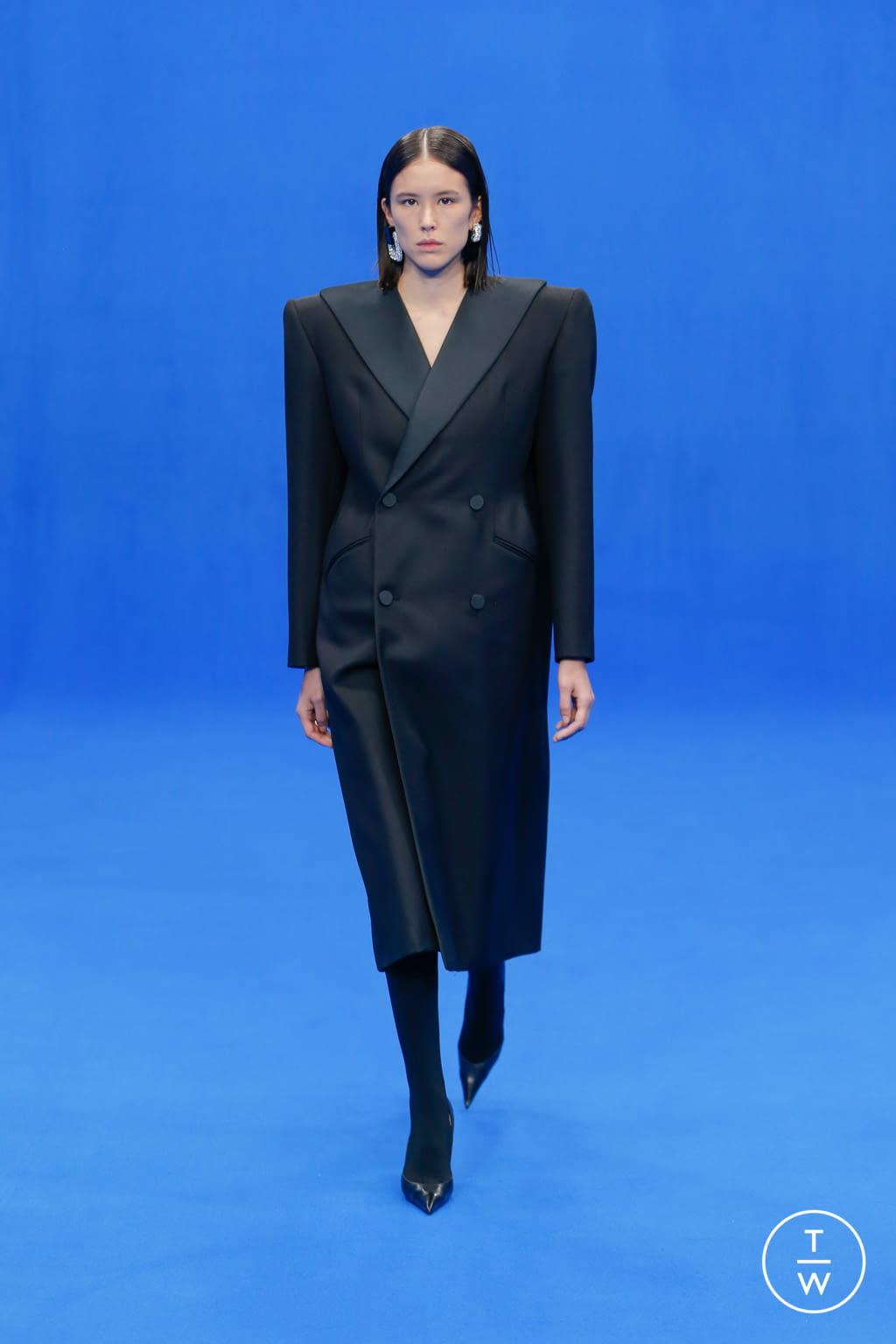 Fashion Week Paris Spring/Summer 2020 look 65 from the Balenciaga collection womenswear
