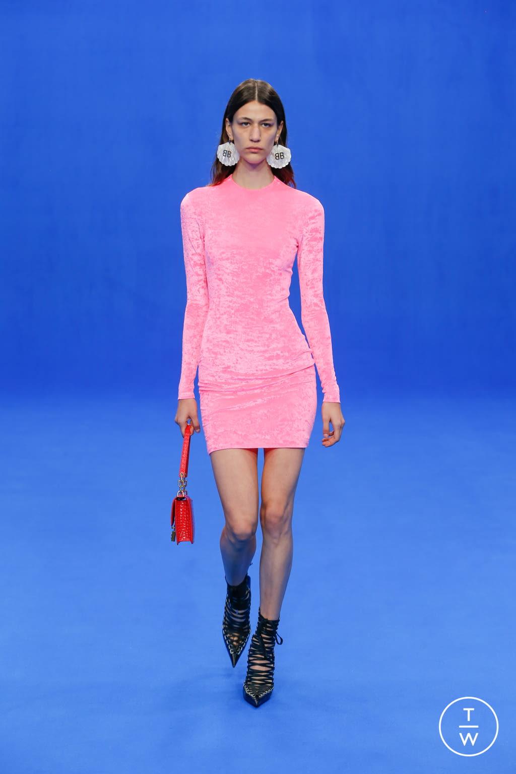 Fashion Week Paris Spring/Summer 2020 look 69 from the Balenciaga collection womenswear
