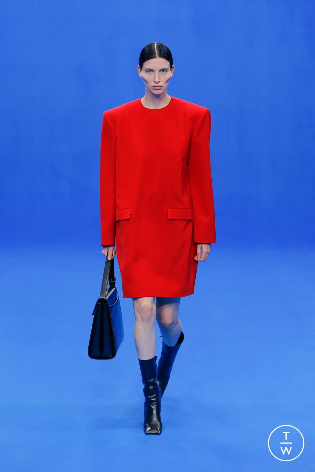 Fashion Week Paris Spring/Summer 2020 look 7 de la collection Balenciaga womenswear