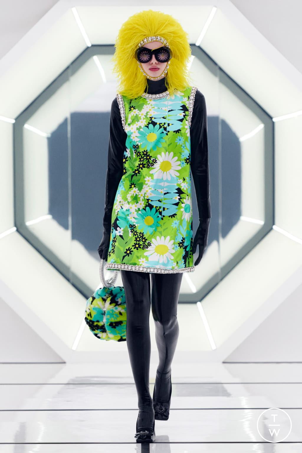 Fashion Week Milan Fall/Winter 2020 look 10 de la collection 8 Moncler Richard Quinn womenswear
