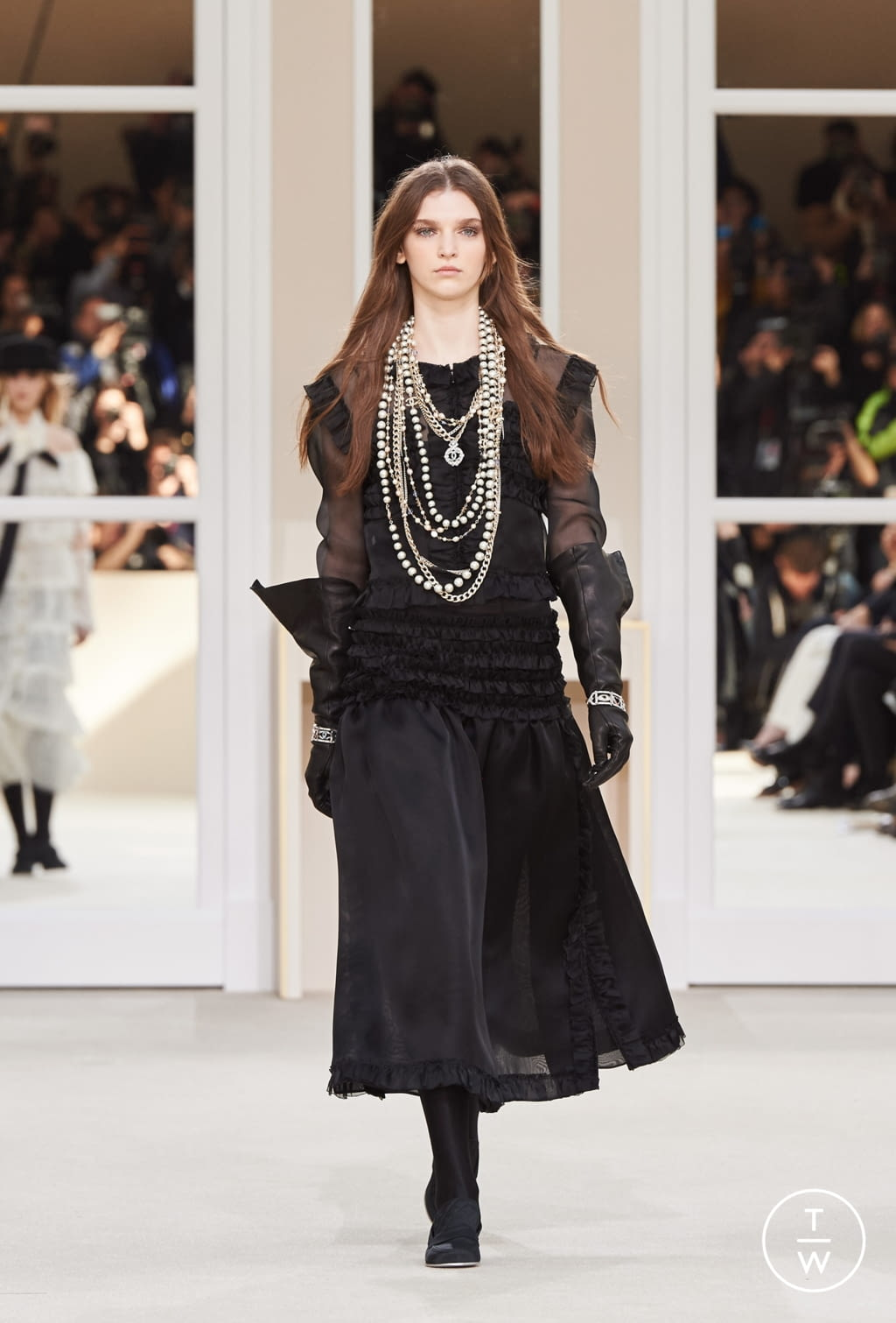 Fashion Week Paris Fall/Winter 2016 look 88 from the Chanel collection womenswear