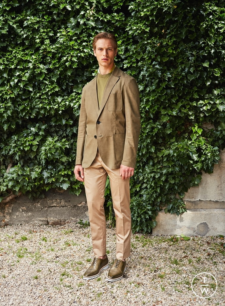 Fashion Week Paris Spring/Summer 2017 look 9 from the Berluti collection menswear