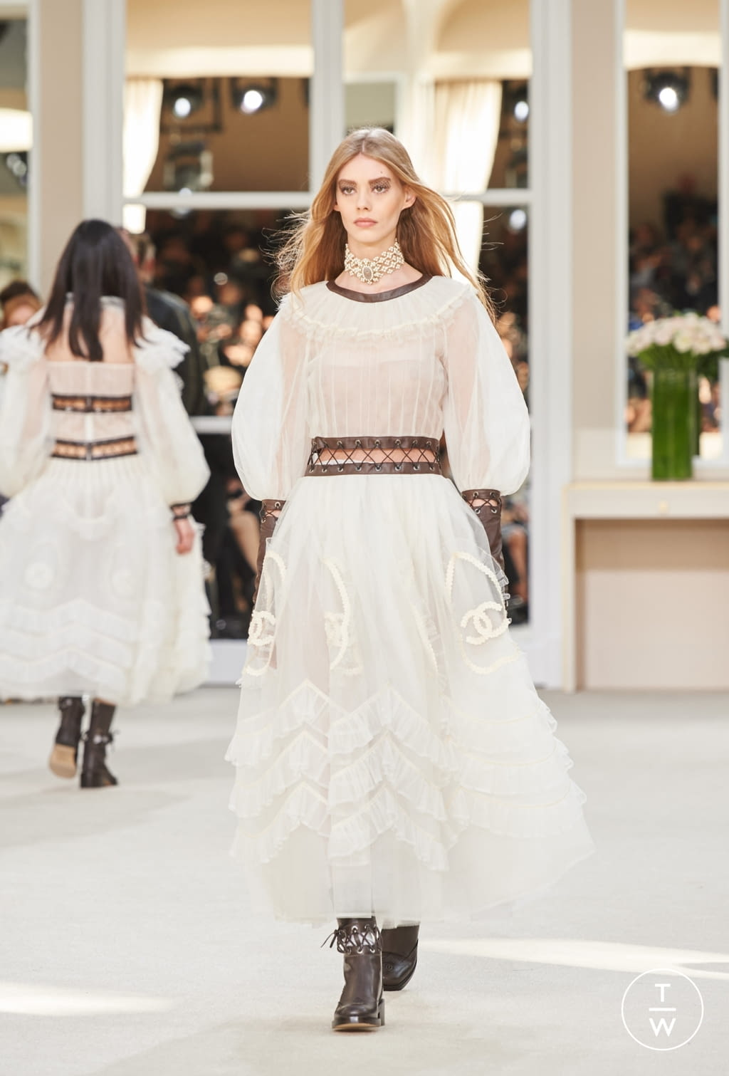 Fashion Week Paris Fall/Winter 2016 look 93 from the Chanel collection womenswear