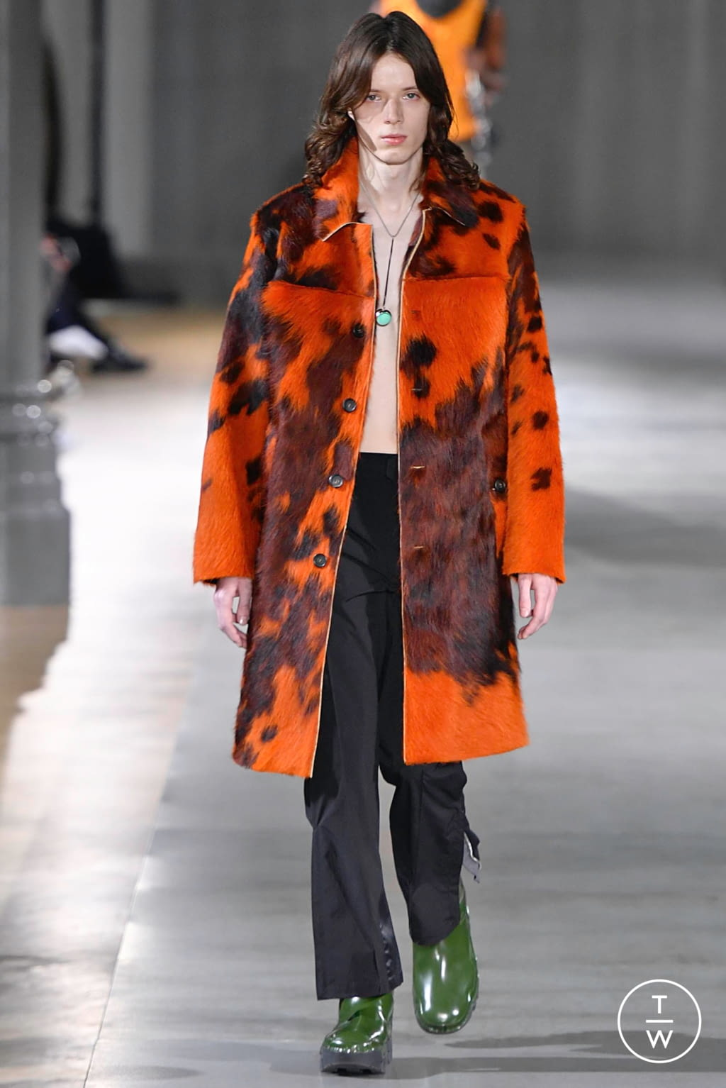 Fashion Week Paris Fall/Winter 2019 look 2 from the Acne Studios collection 男装
