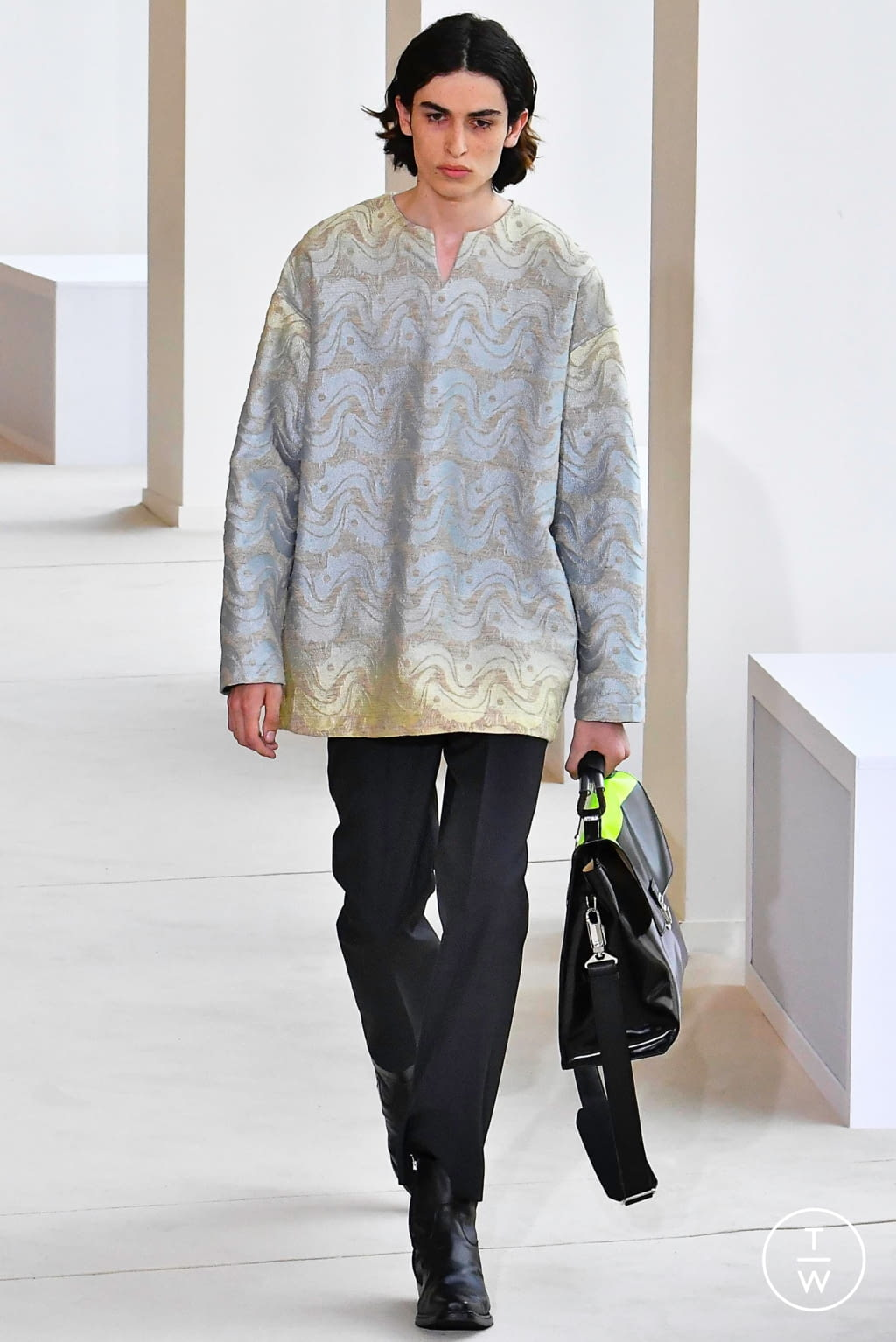 Fashion Week Paris Spring/Summer 2020 look 11 from the Acne Studios collection menswear