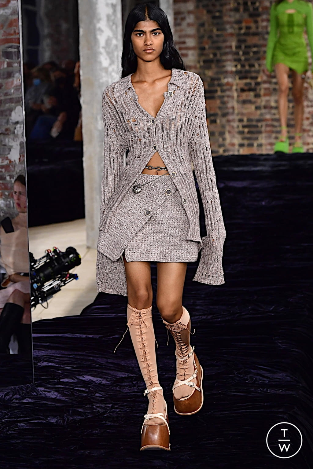 Fashion Week Paris Spring/Summer 2022 look 18 from the Acne Studios collection womenswear