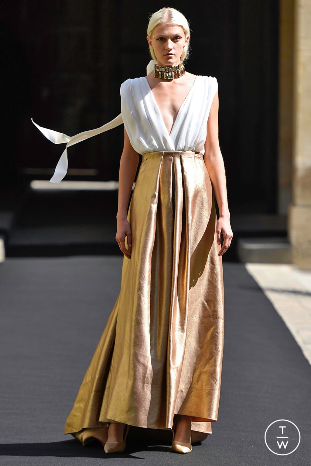 Fashion Week Paris Fall/Winter 2019 look 11 from the Aelis collection couture