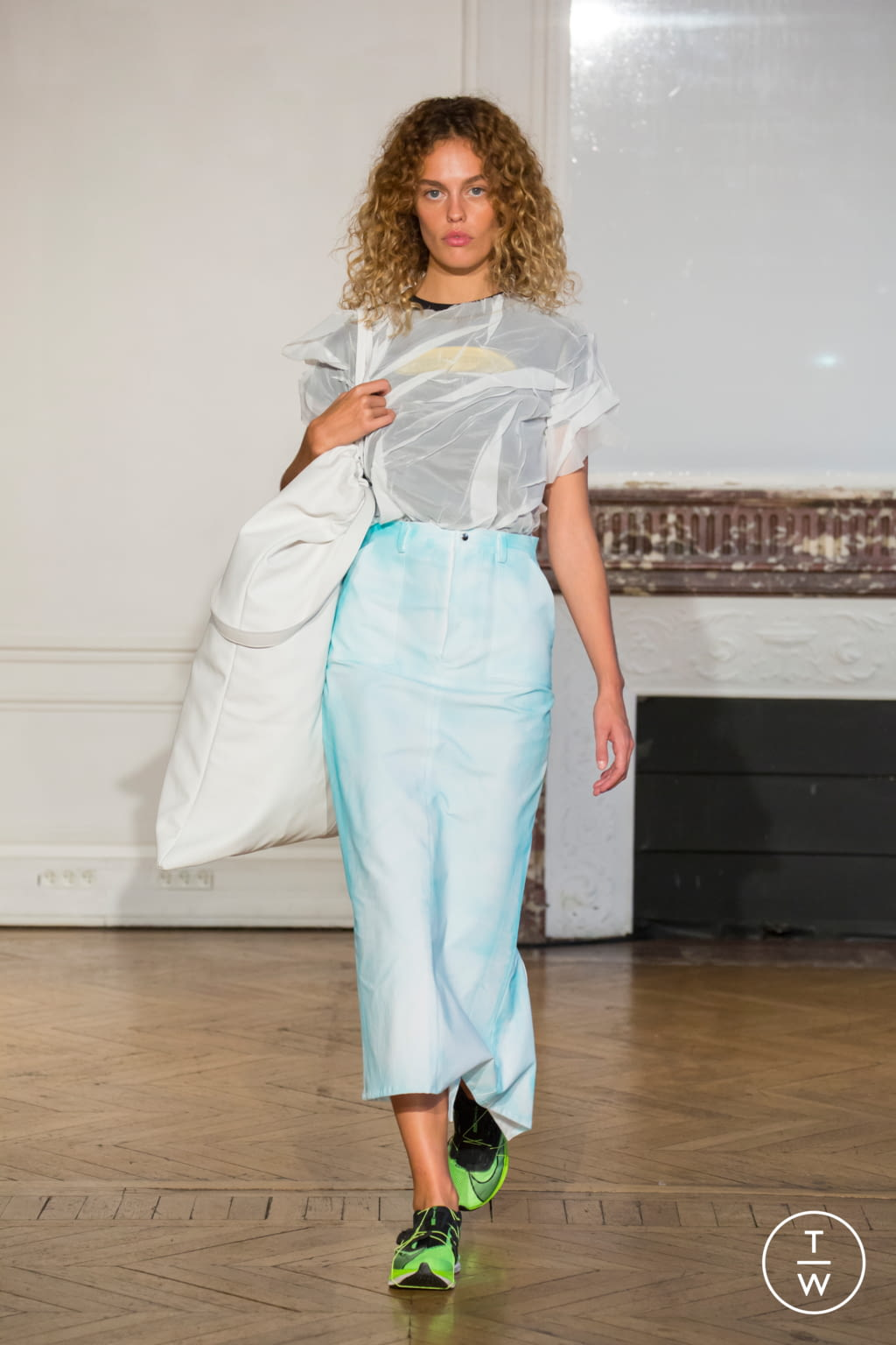 Fashion Week Paris Spring/Summer 2020 look 15 from the Afterhomework collection womenswear