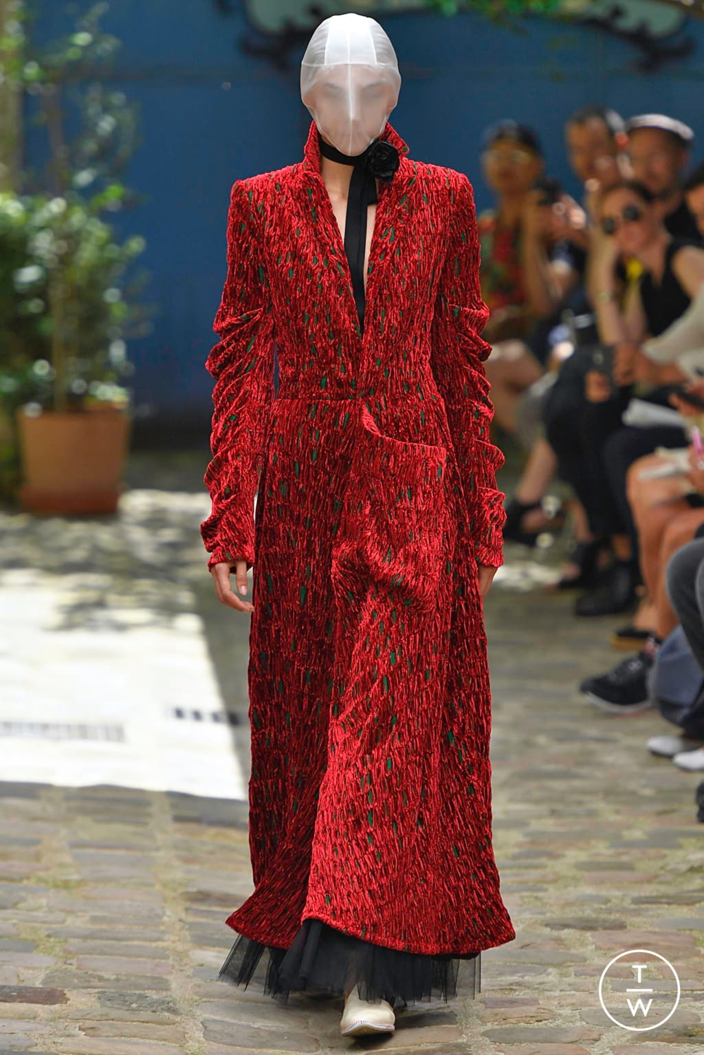 Fashion Week Paris Fall/Winter 2019 look 9 from the Aganovich collection 高级定制