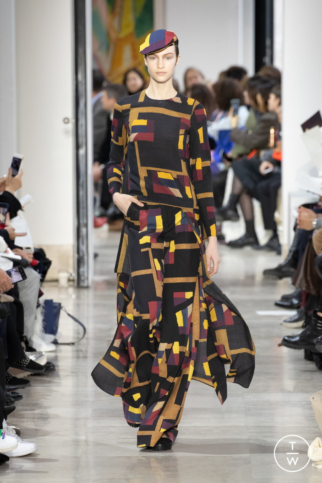 Fashion Week Paris Fall/Winter 2020 look 14 from the Akris collection womenswear