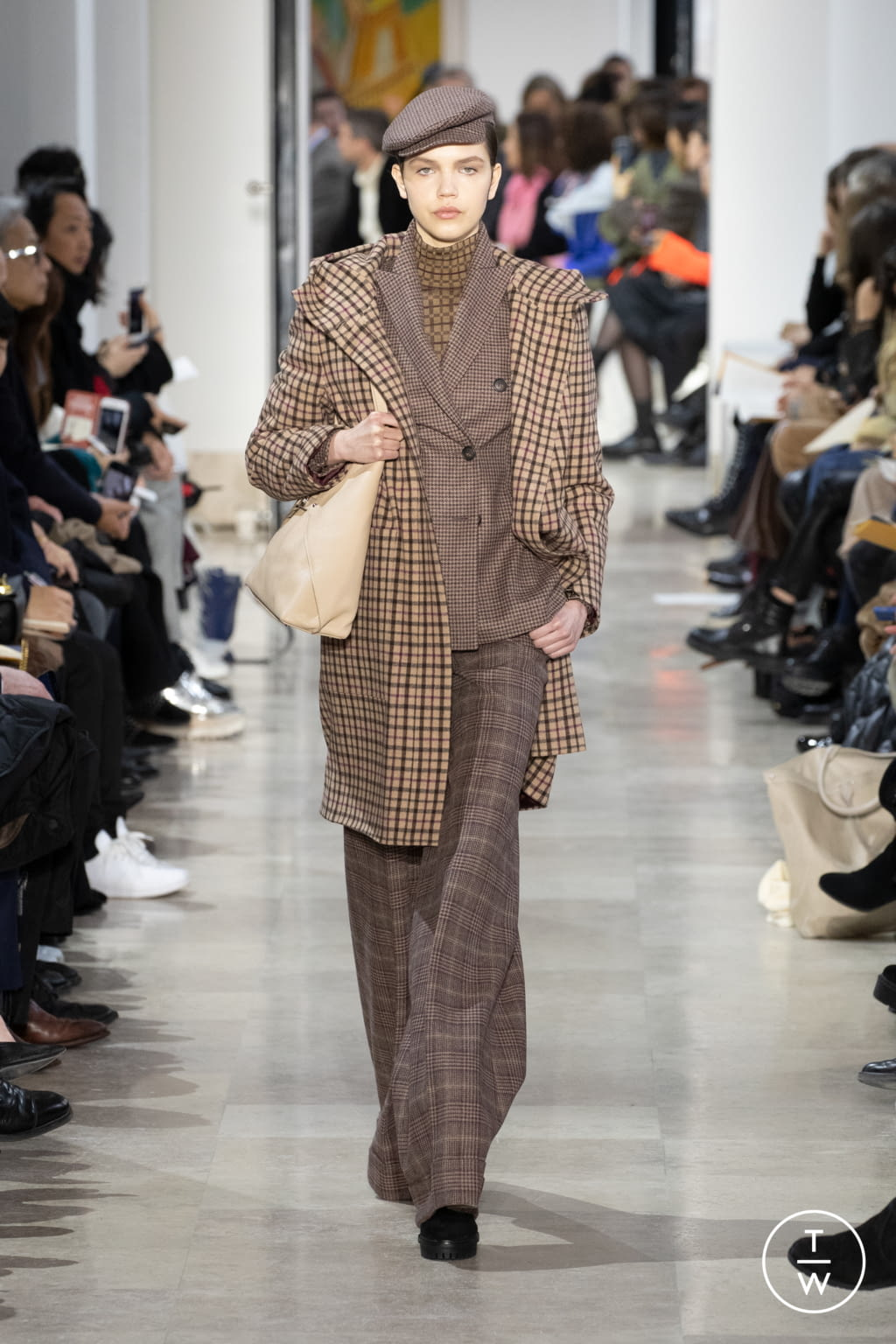 Fashion Week Paris Fall/Winter 2020 look 21 from the Akris collection womenswear