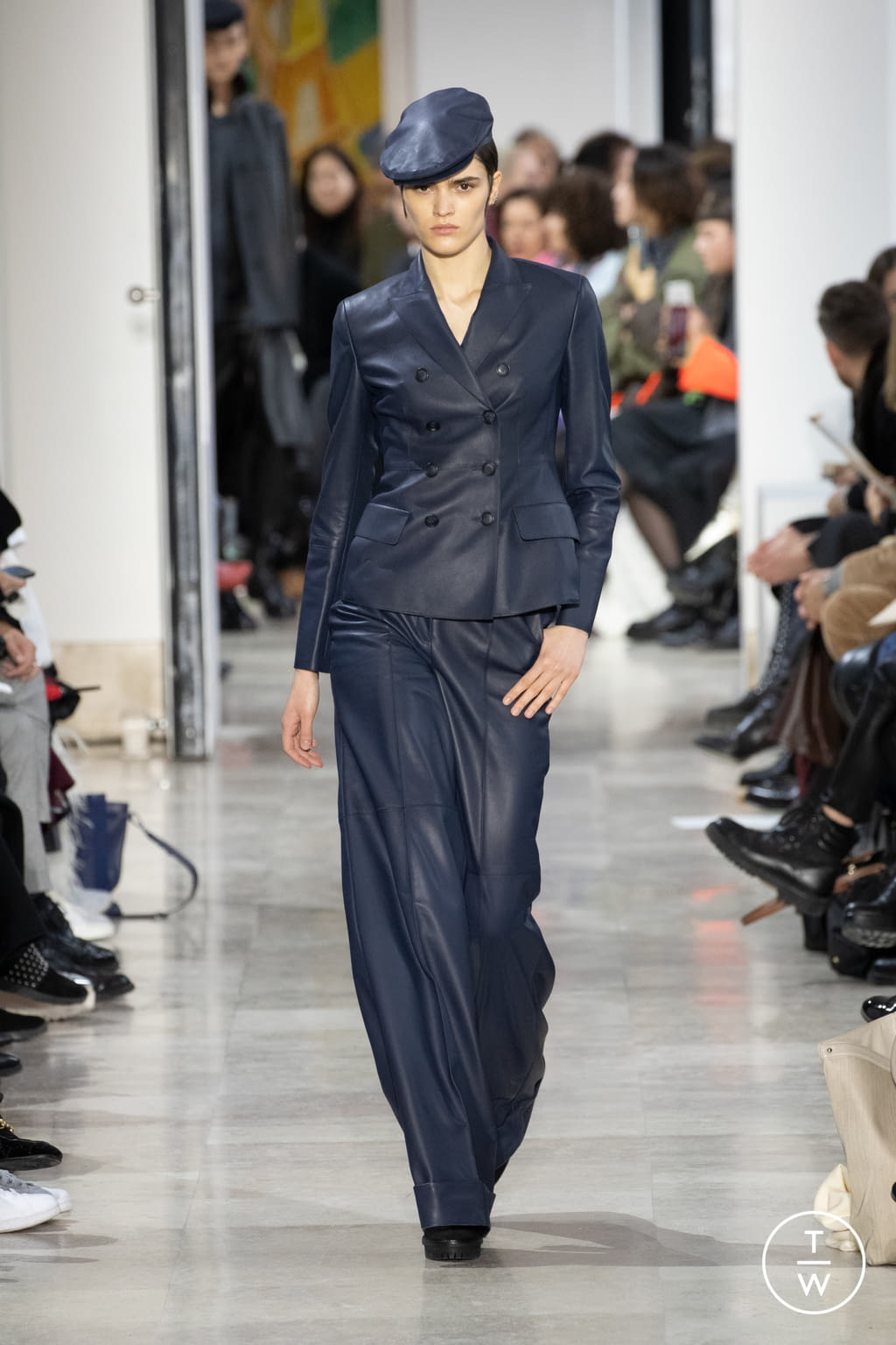 Fashion Week Paris Fall/Winter 2020 look 26 from the Akris collection womenswear