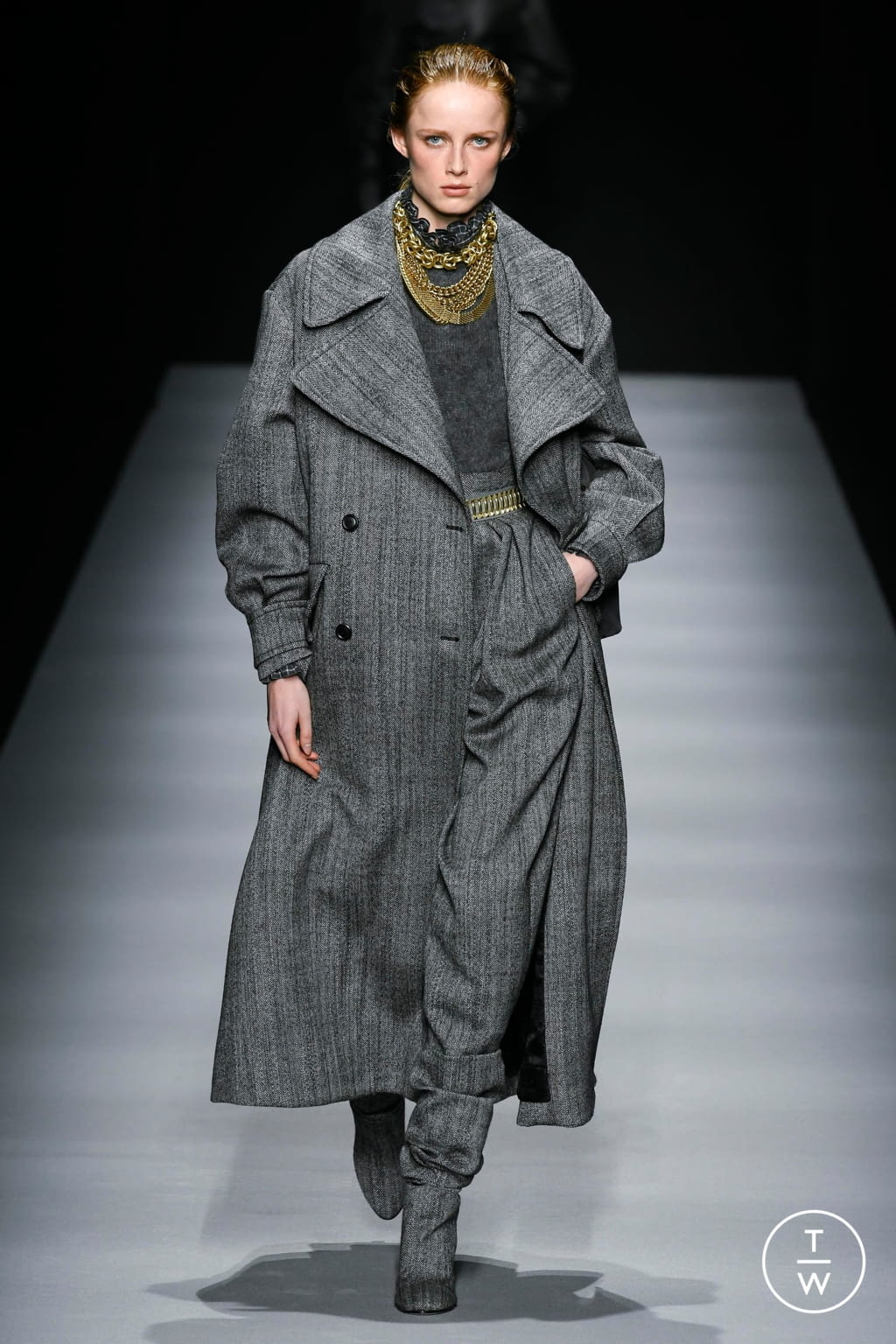 Fashion Week Milan Fall/Winter 2020 look 4 from the Alberta Ferretti collection womenswear