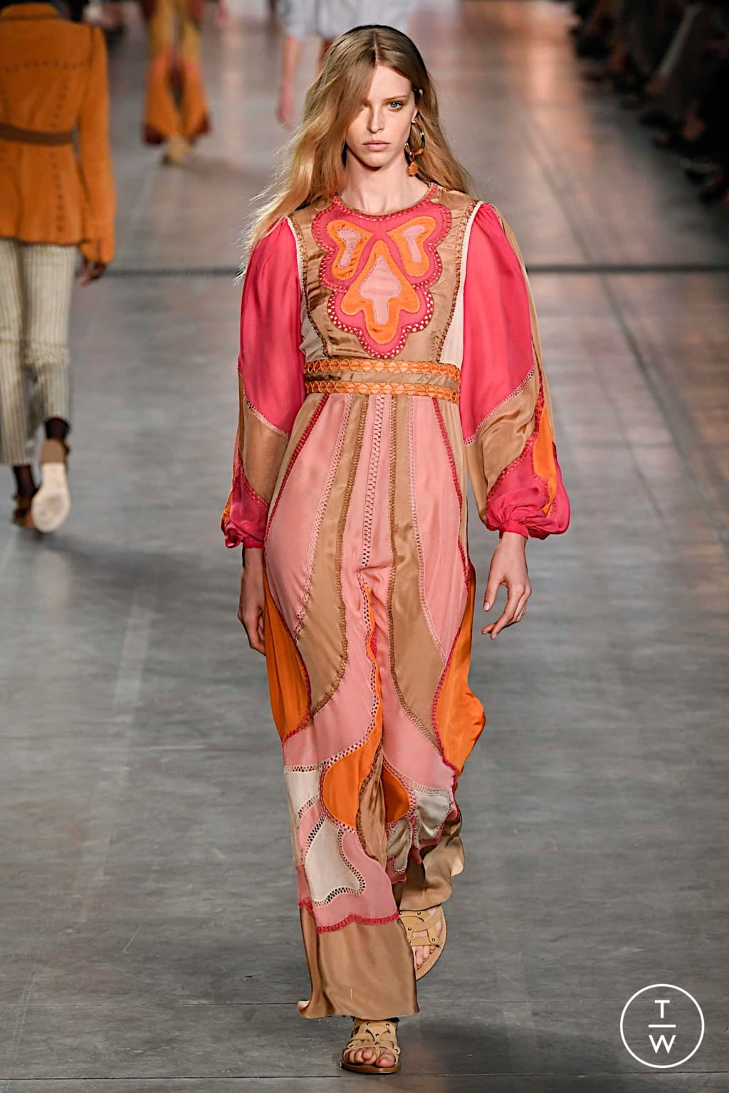 Fashion Week Milan Spring/Summer 2020 look 5 from the Alberta Ferretti collection 女装