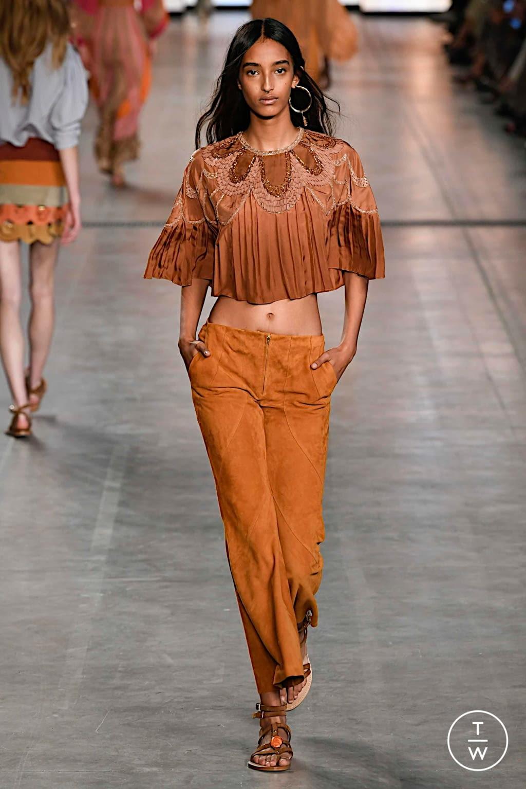 Fashion Week Milan Spring/Summer 2020 look 7 from the Alberta Ferretti collection womenswear