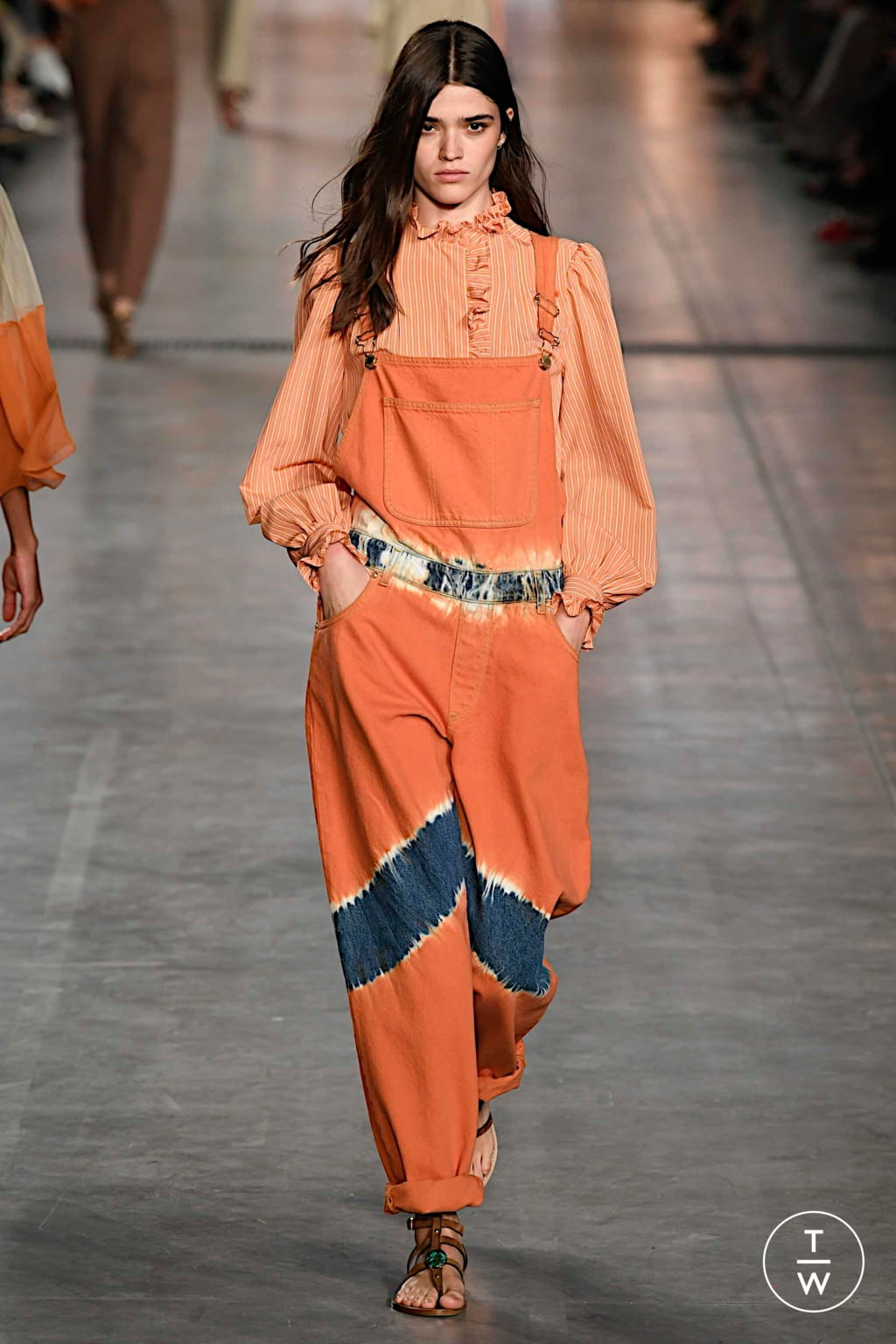 Fashion Week Milan Spring/Summer 2020 look 14 from the Alberta Ferretti collection womenswear