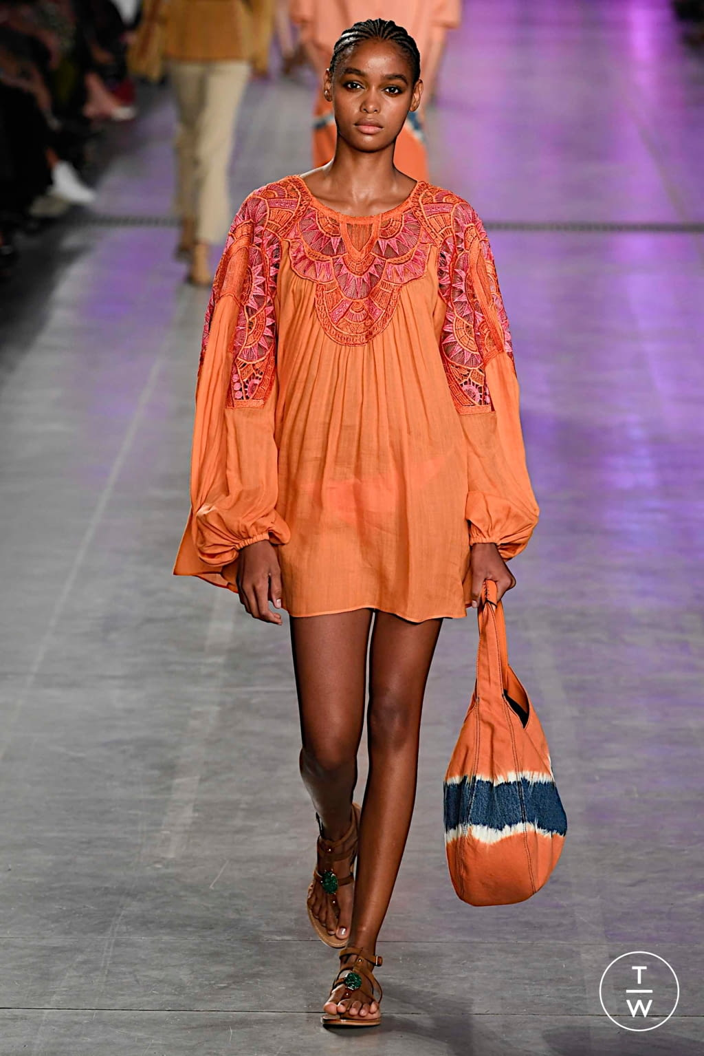 Fashion Week Milan Spring/Summer 2020 look 17 from the Alberta Ferretti collection 女装
