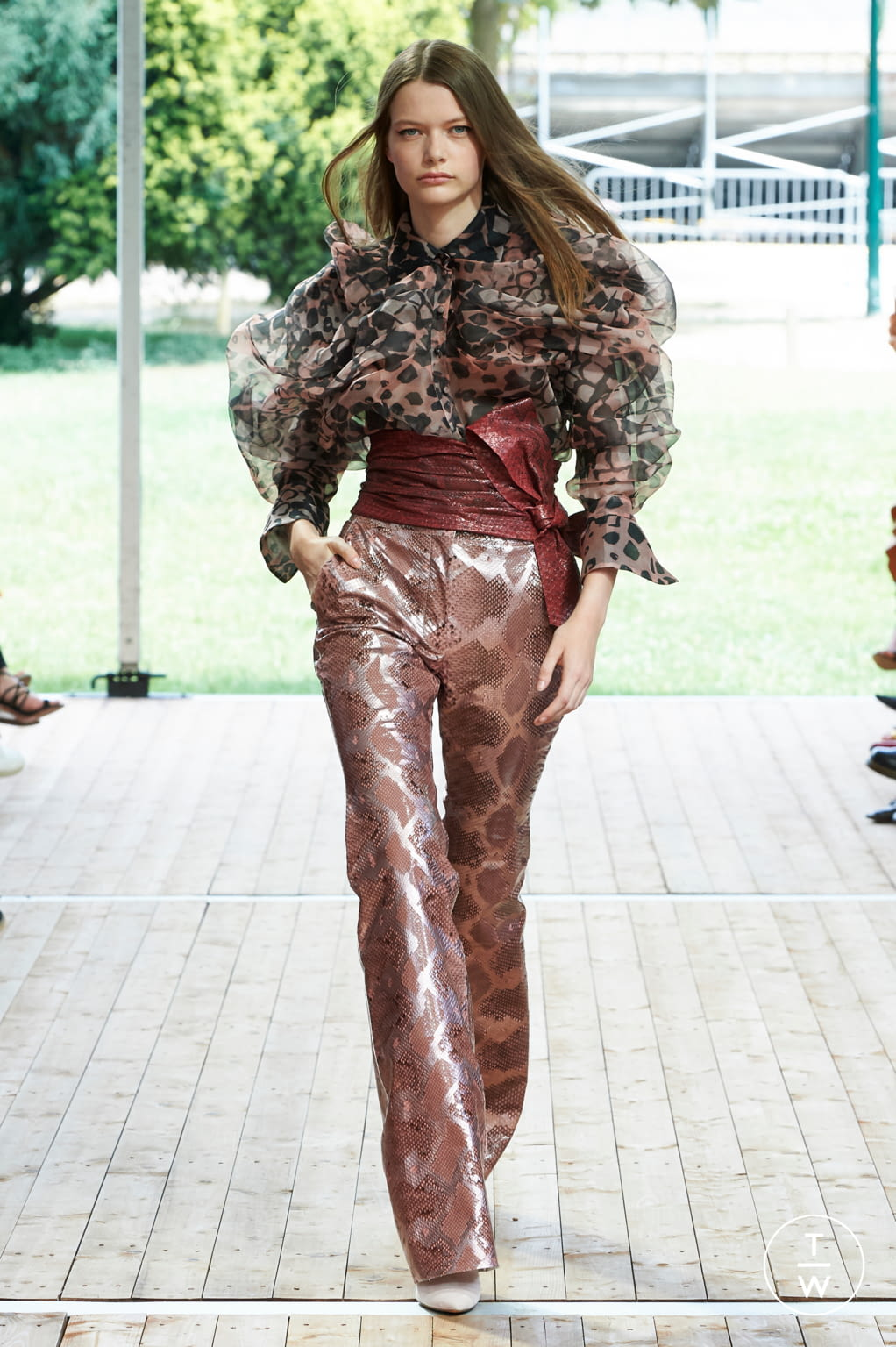 Fashion Week Paris Fall/Winter 2019 look 14 from the Redemption collection couture