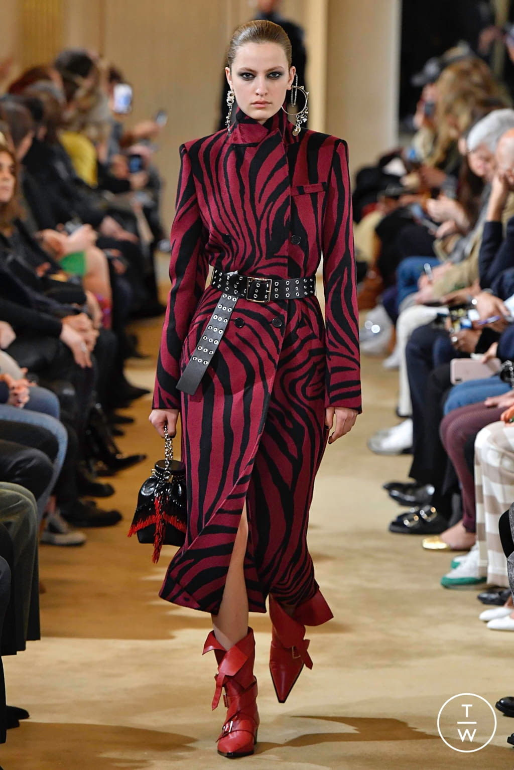 Fashion Week Paris Fall/Winter 2019 look 7 from the Altuzarra collection 女装