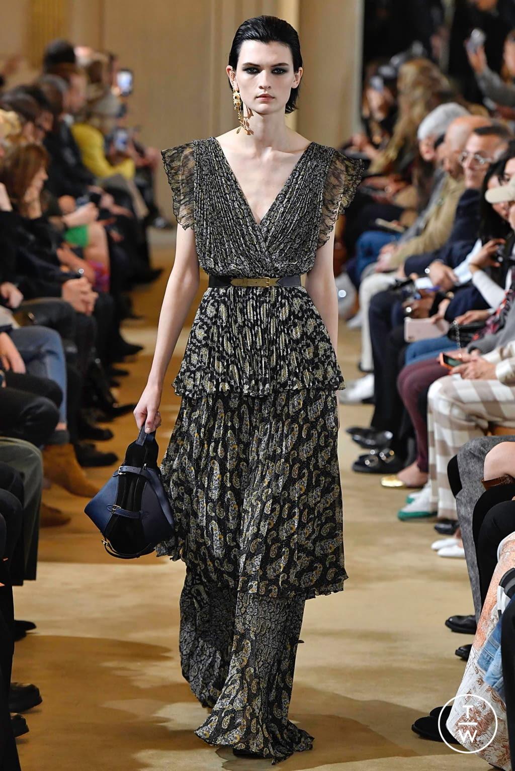 Fashion Week Paris Fall/Winter 2019 look 17 from the Altuzarra collection womenswear