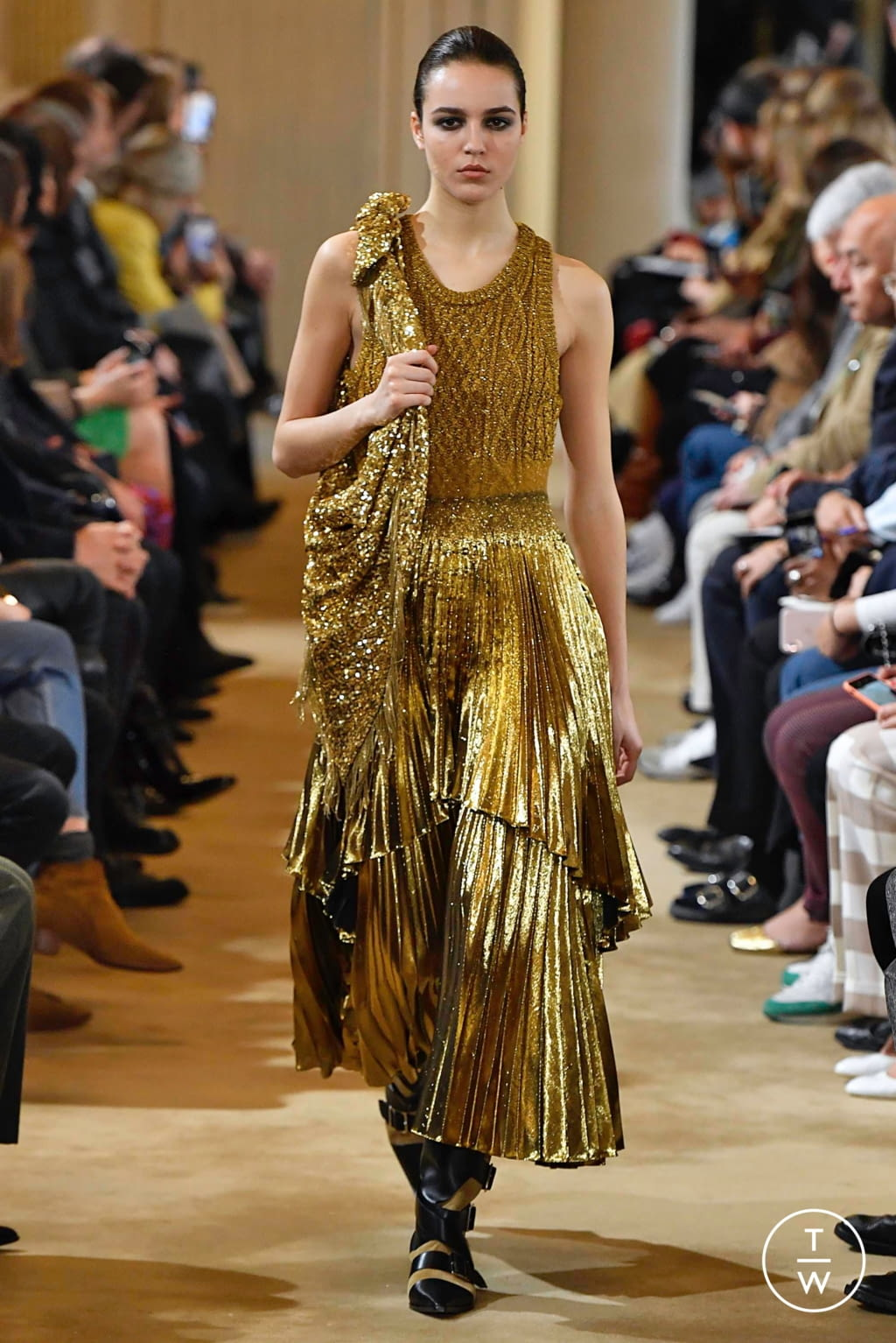 Fashion Week Paris Fall/Winter 2019 look 25 from the Altuzarra collection womenswear