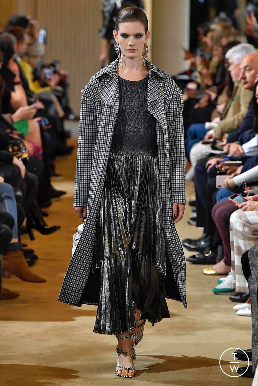Fashion Week Paris Fall/Winter 2019 look 31 from the Altuzarra collection womenswear