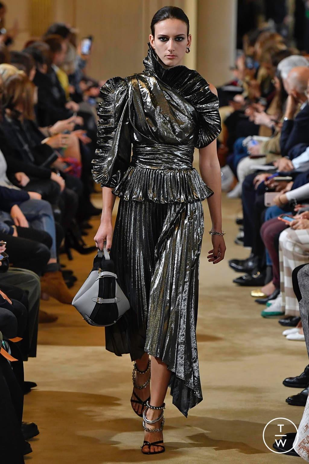 Fashion Week Paris Fall/Winter 2019 look 32 from the Altuzarra collection womenswear