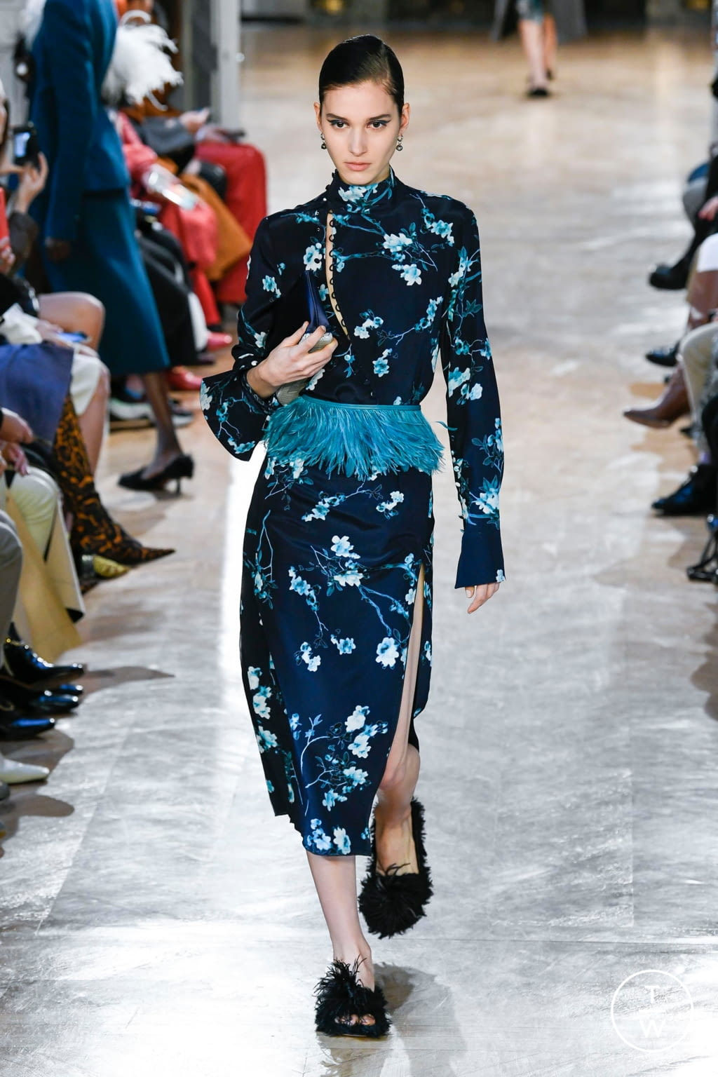 Fashion Week Paris Fall/Winter 2020 look 15 from the Altuzarra collection 女装
