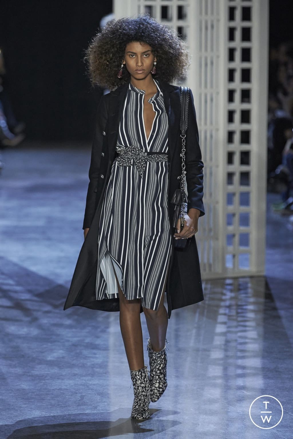Fashion Week New York Fall/Winter 2016 look 30 from the Altuzarra collection womenswear
