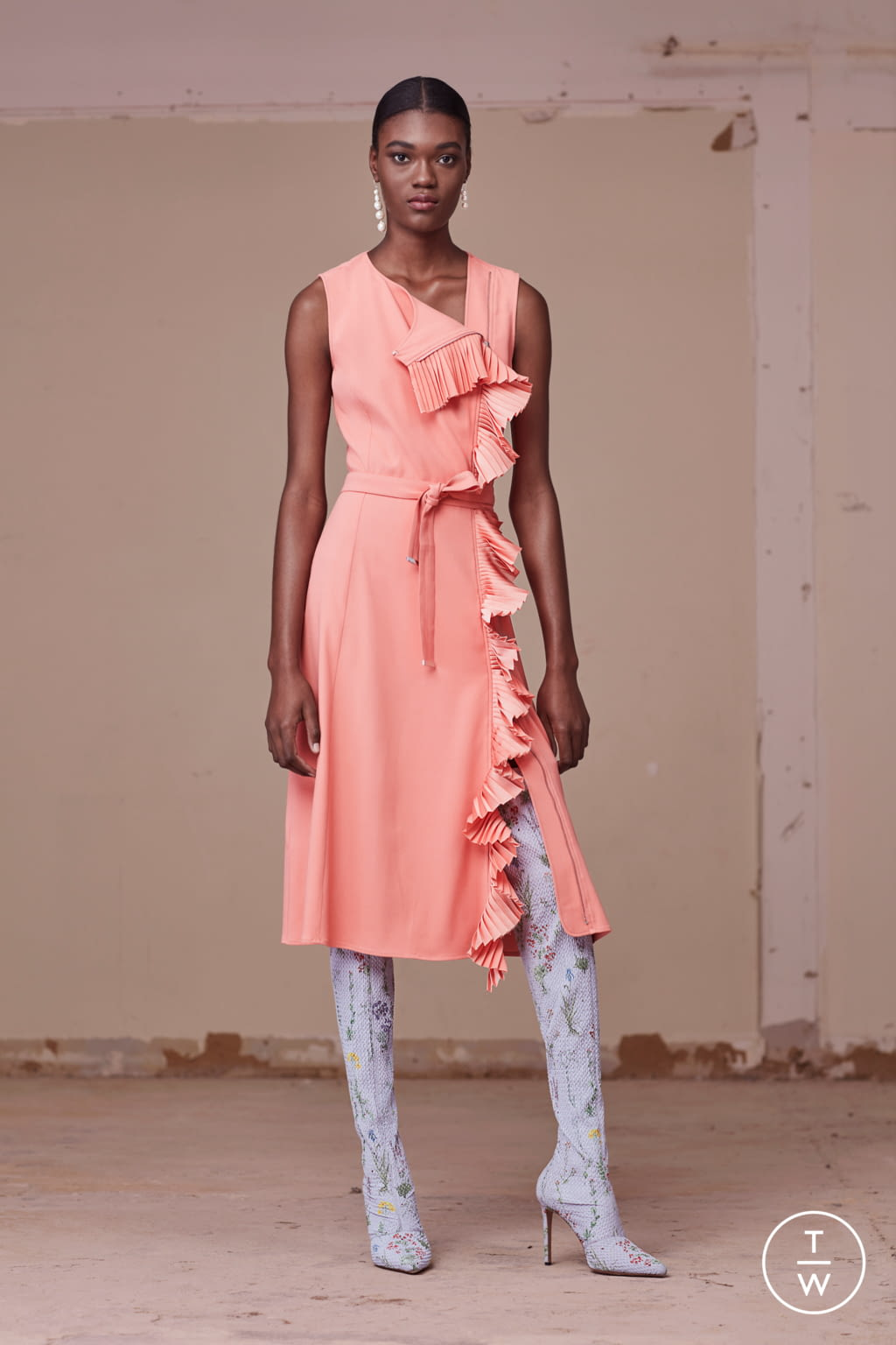 Fashion Week New York Pre-Fall 2017 look 21 from the Altuzarra collection womenswear