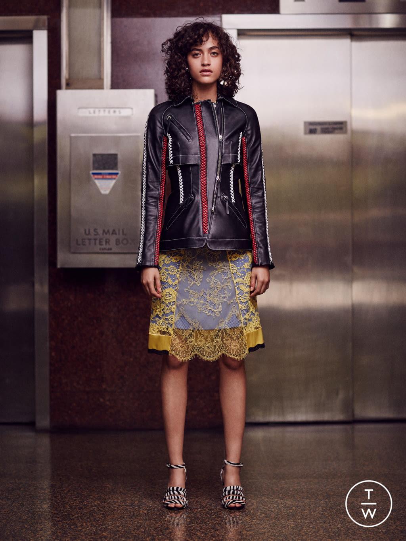 Fashion Week New York Resort 2017 look 1 from the Altuzarra collection womenswear