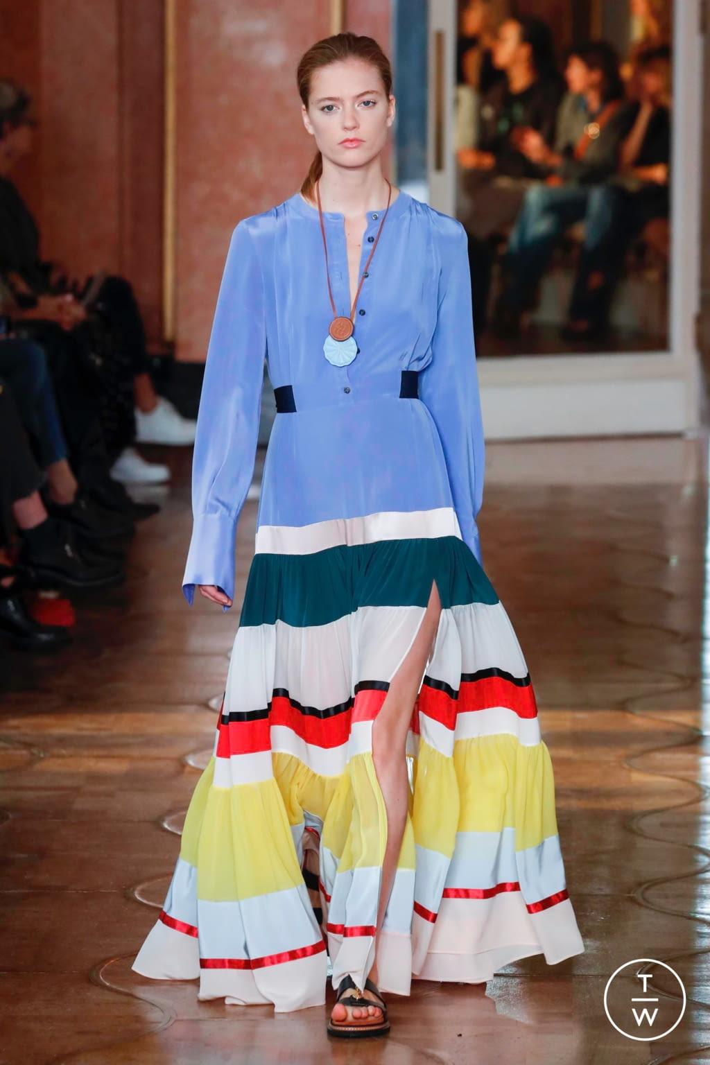 Fashion Week Paris Spring/Summer 2020 look 17 from the Altuzarra collection womenswear