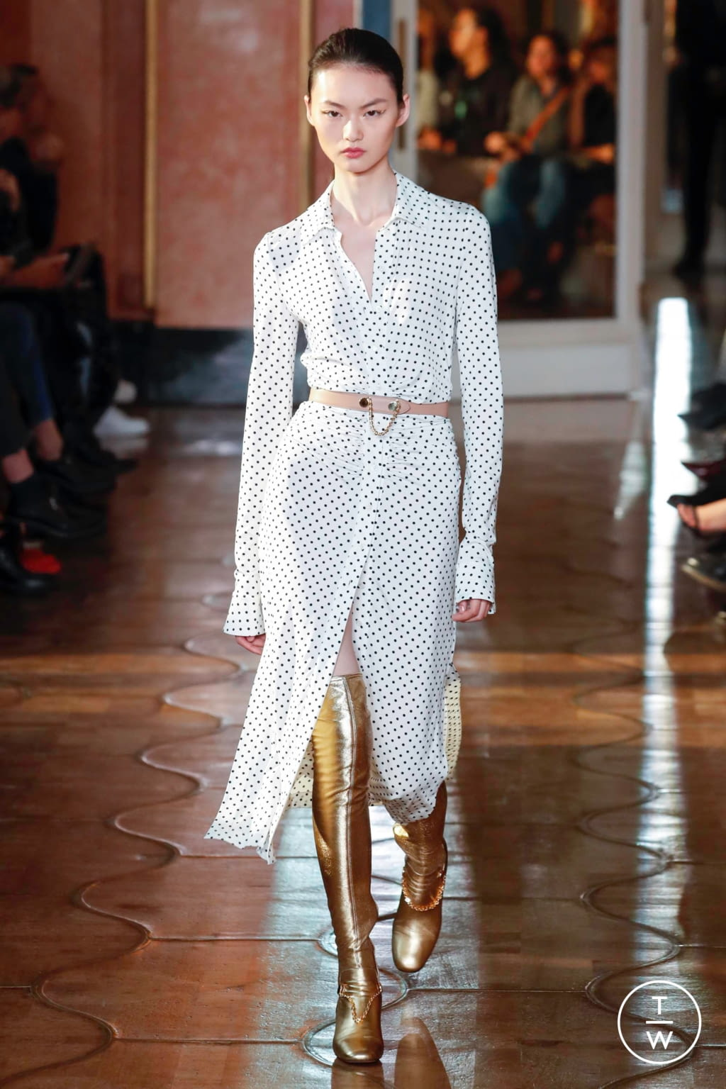 Fashion Week Paris Spring/Summer 2020 look 37 from the Altuzarra collection womenswear