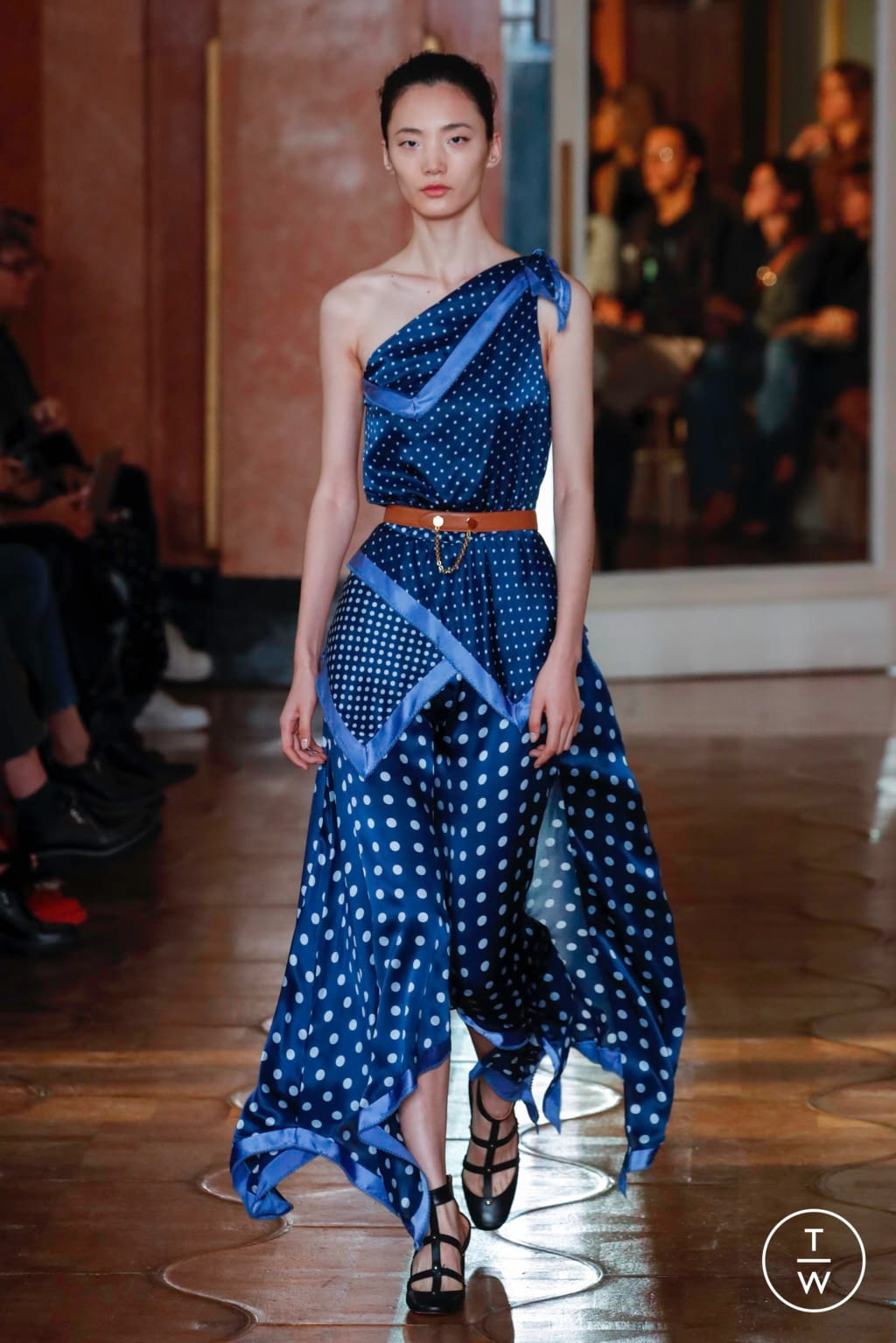 Fashion Week Paris Spring/Summer 2020 look 40 from the Altuzarra collection womenswear