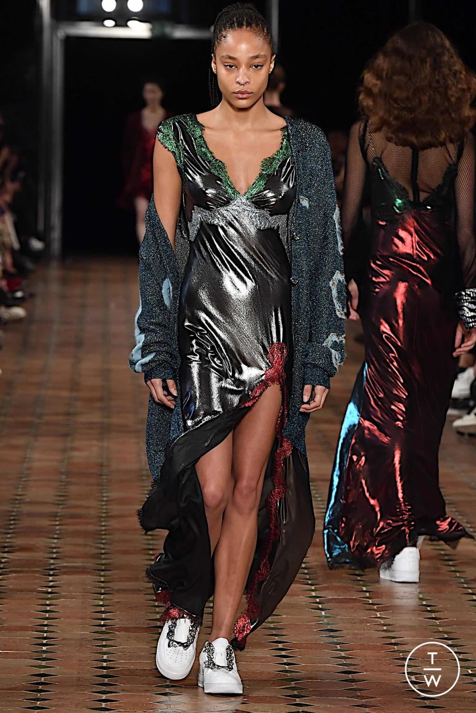 Fashion Week Paris Spring/Summer 2020 look 22 from the Anaïs Jourden collection womenswear