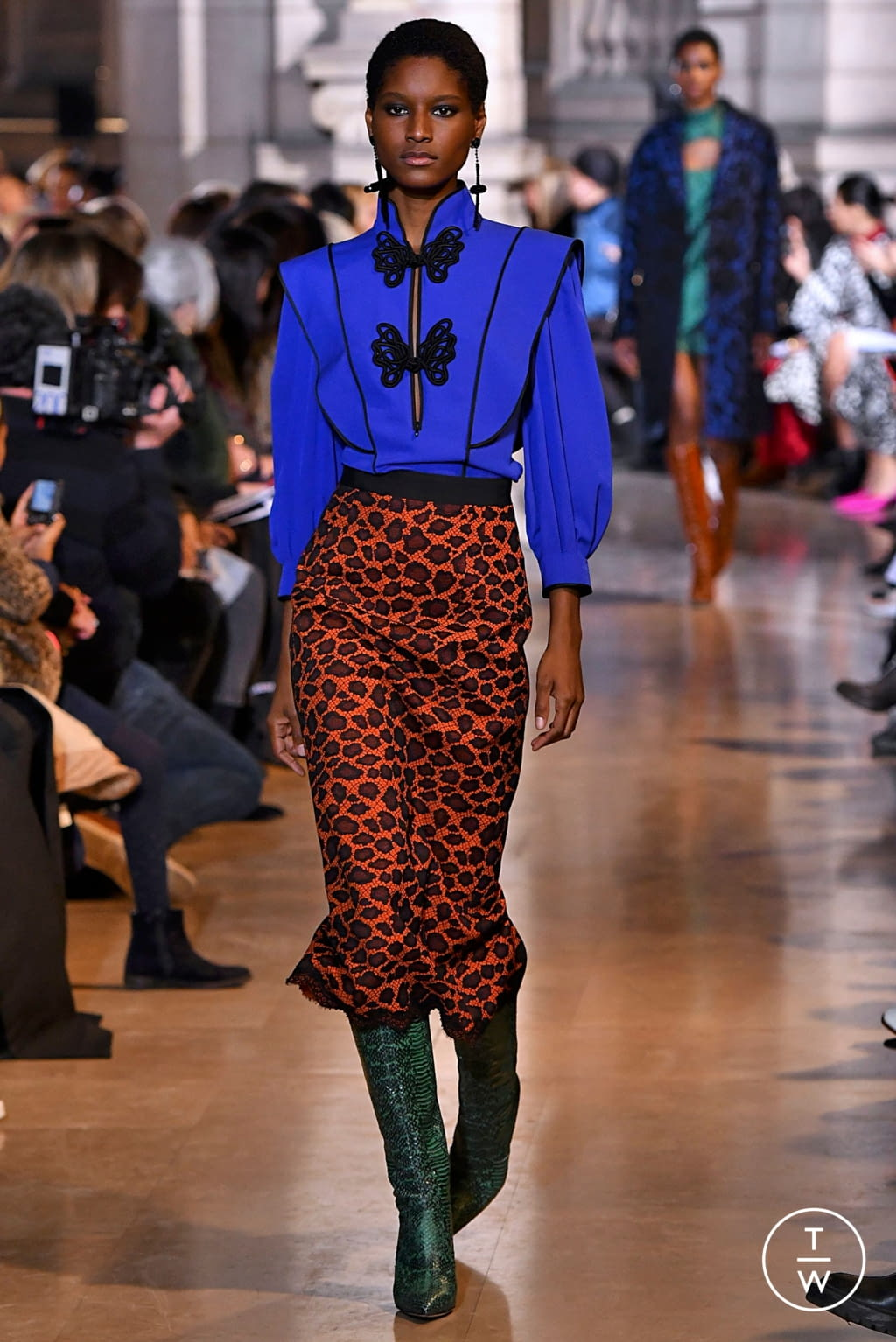 Fashion Week Paris Fall/Winter 2019 look 18 from the Andrew GN collection womenswear