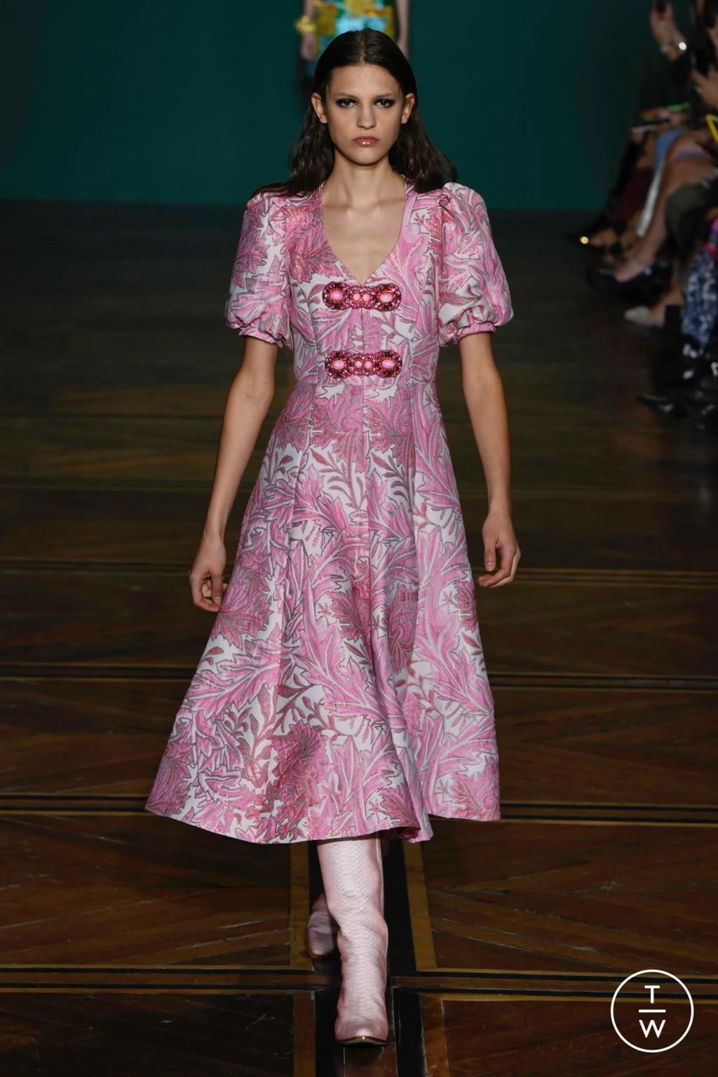 Fashion Week Paris Spring/Summer 2019 look 22 de la collection Andrew GN womenswear