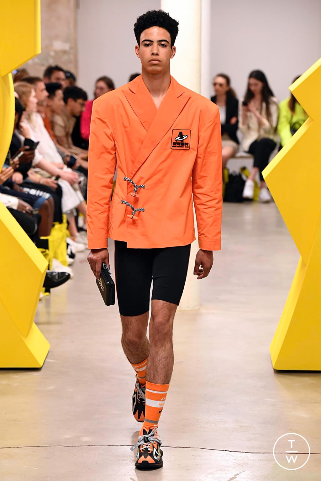 Fashion Week Paris Spring/Summer 2020 look 6 from the Angus Chiang collection menswear