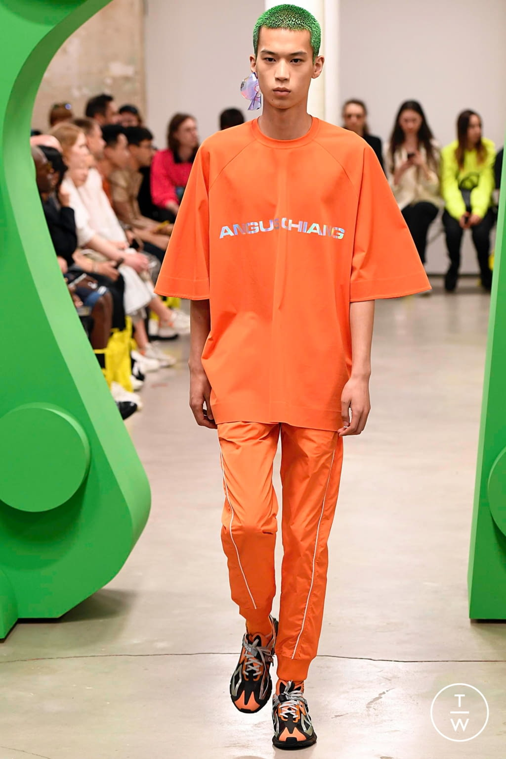 Fashion Week Paris Spring/Summer 2020 look 8 from the Angus Chiang collection menswear