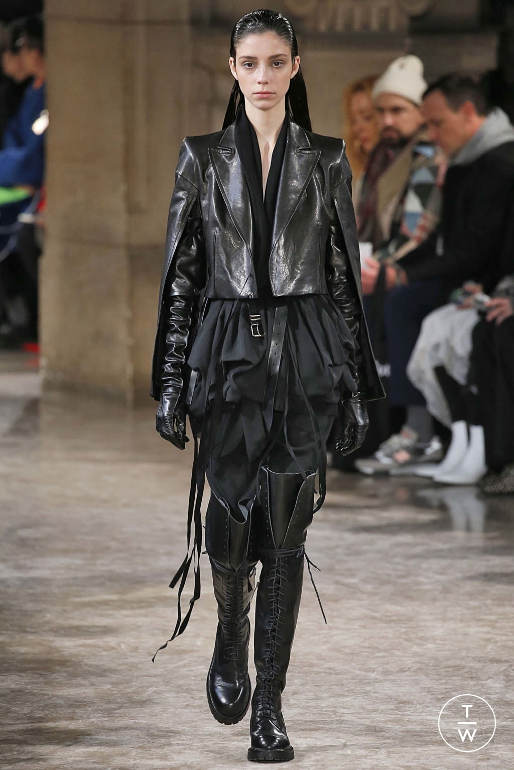 Fashion Week Paris Fall/Winter 2018 look 8 from the Ann Demeulemeester collection womenswear