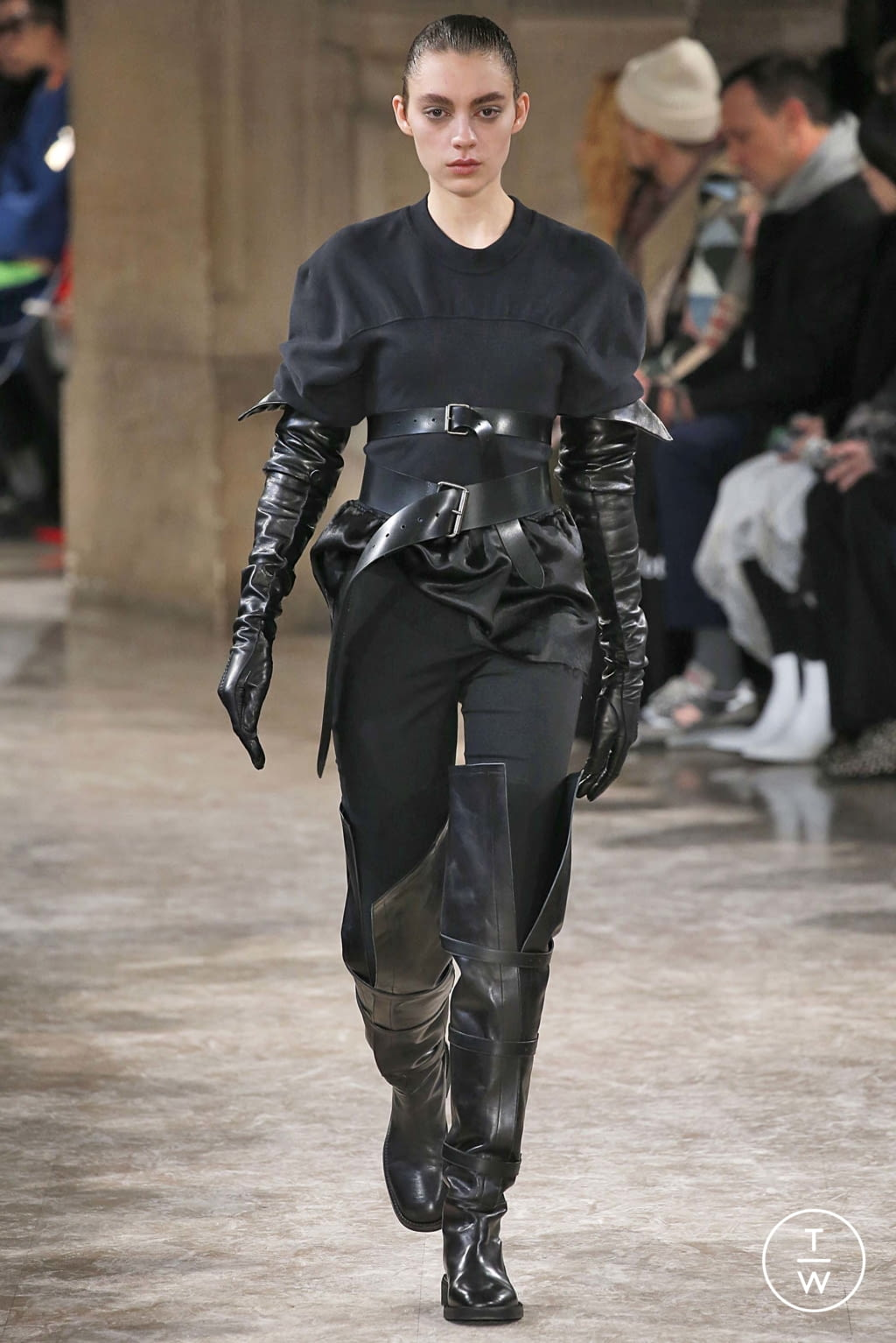 Fashion Week Paris Fall/Winter 2018 look 9 from the Ann Demeulemeester collection womenswear
