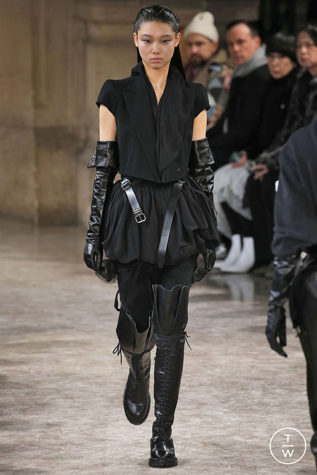 Fashion Week Paris Fall/Winter 2018 look 12 from the Ann Demeulemeester collection womenswear