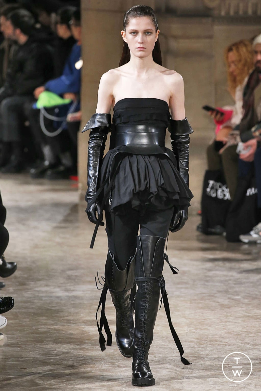 Fashion Week Paris Fall/Winter 2018 look 18 from the Ann Demeulemeester collection womenswear