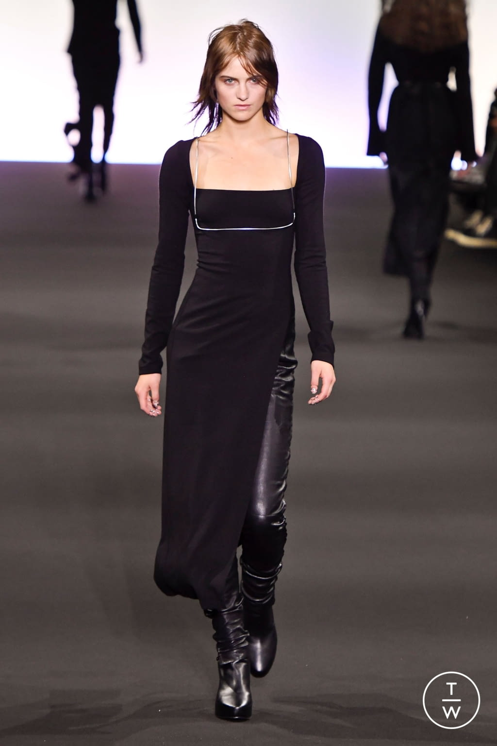 Fashion Week Paris Fall/Winter 2020 look 4 from the Ann Demeulemeester collection 女装
